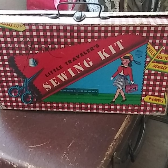 Vintage Little Travelers Sewing Kit